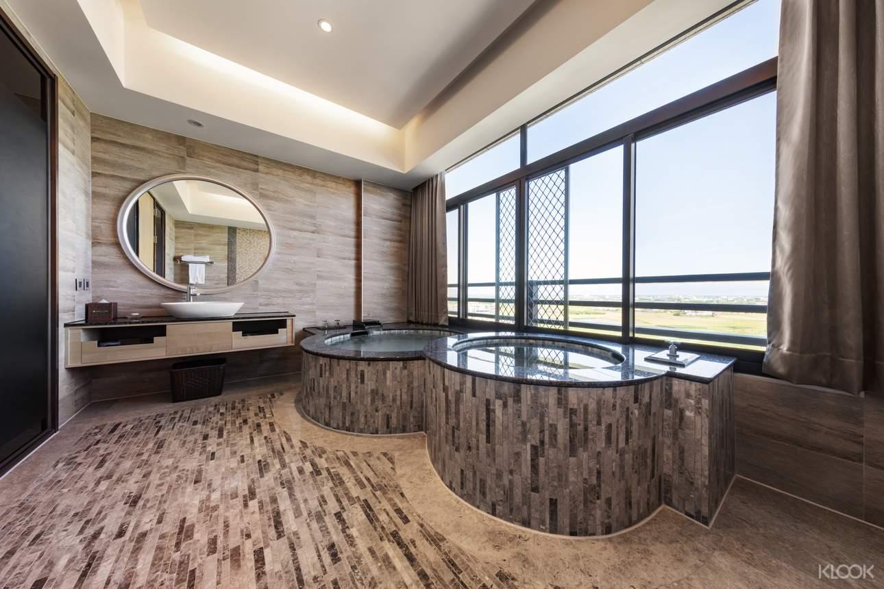 圓池,跳脫傳統設計,風華絕代的景色與泡湯體驗,等你來體驗