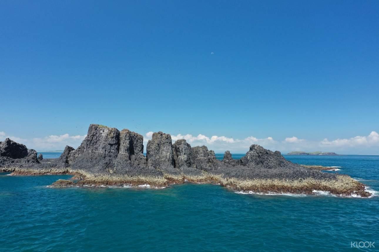 欣賞澎湖壯麗的海上玄武岩,獨特地質景觀盡收眼底