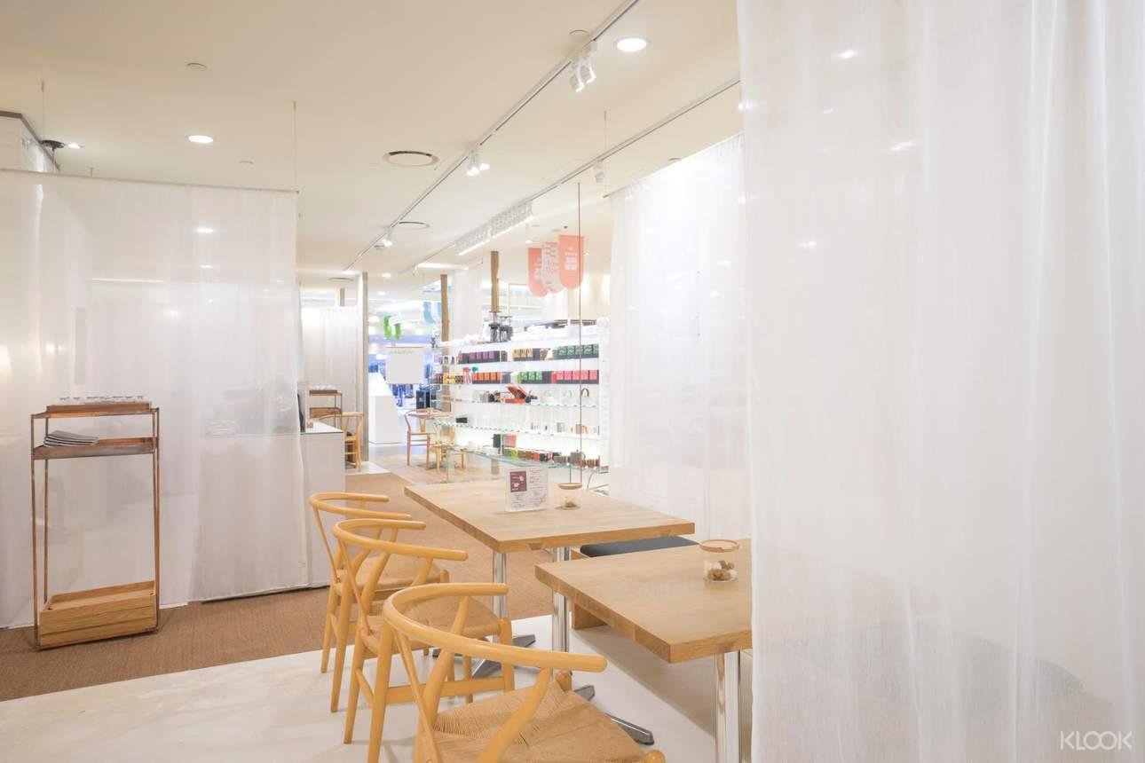 時髦現代的室內裝潢,讓你舒適用餐!
