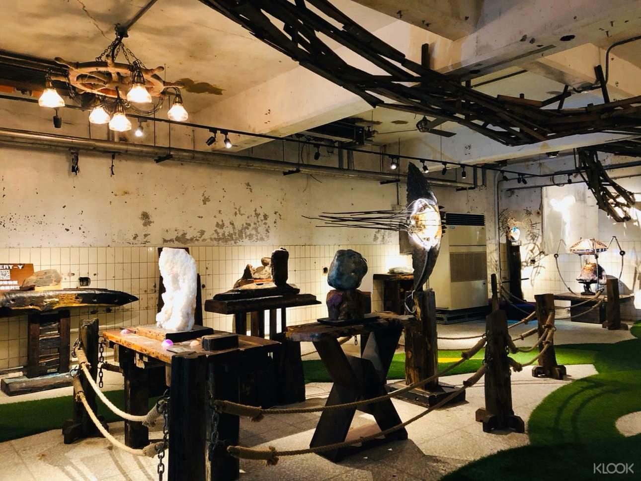 館內展出豐富的原創藝術品,是宜蘭蘇澳躲雨躲太陽的絕佳室內景點