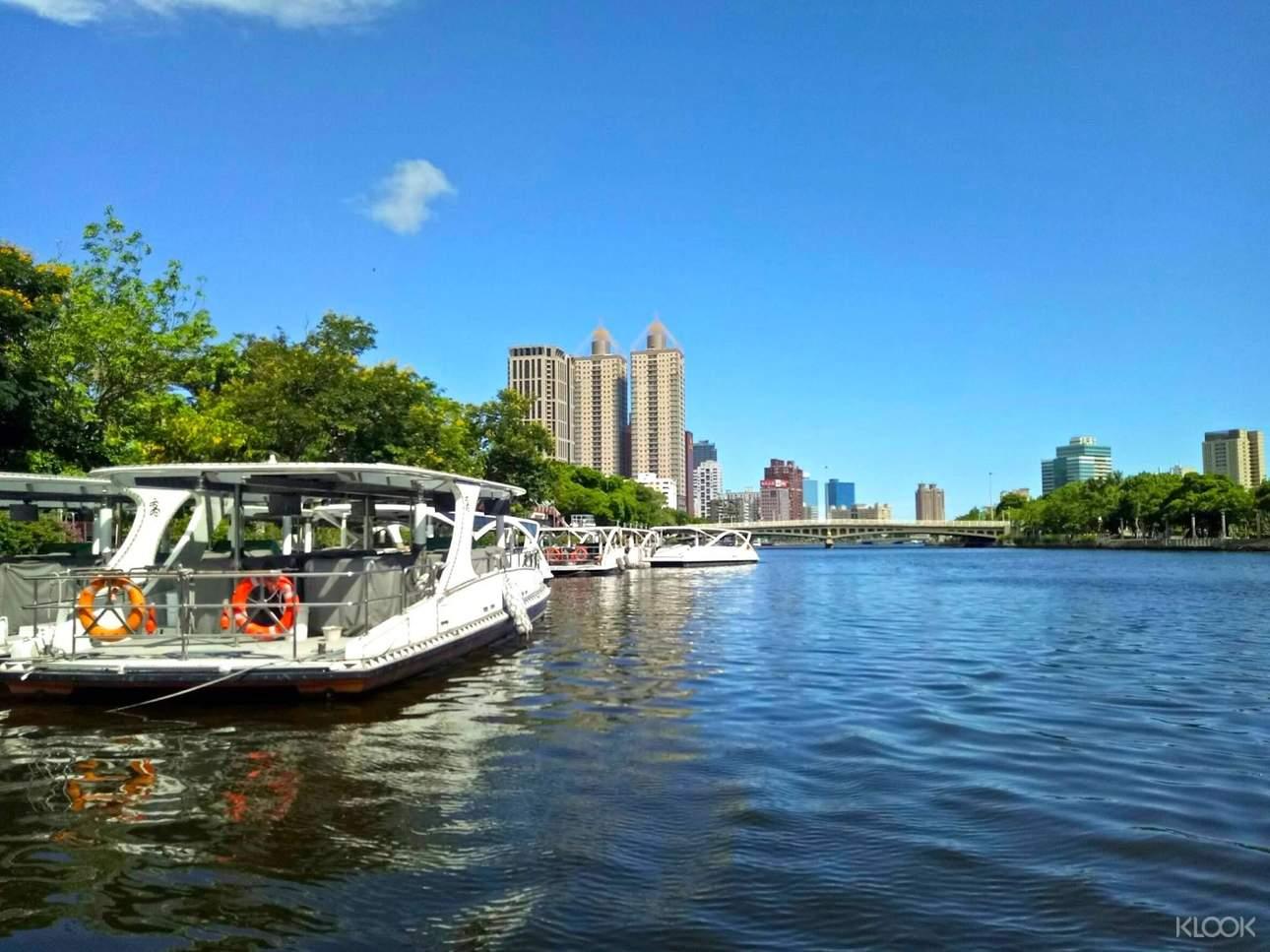 愛之船使用零噪音無污染的太陽能源,環保又節能減碳