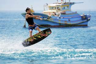 澎湖|極限寬板滑水體驗