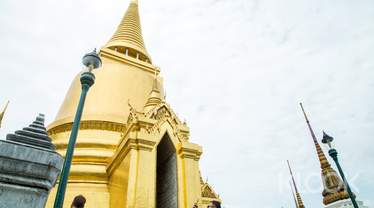 Bangkok Grand Palace and Wat Phra Kaew Half Day Tour by AK