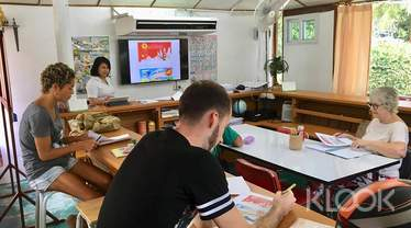 Thai Culture Class at Koh Phangan Vocational School
