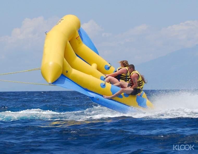 水上飛魚:利用空中纜繩拖曳充氣水上浮具,獨特的設計讓玩家時而飛在空中、時而水面飄移,緊張、刺激、樂趣百分百