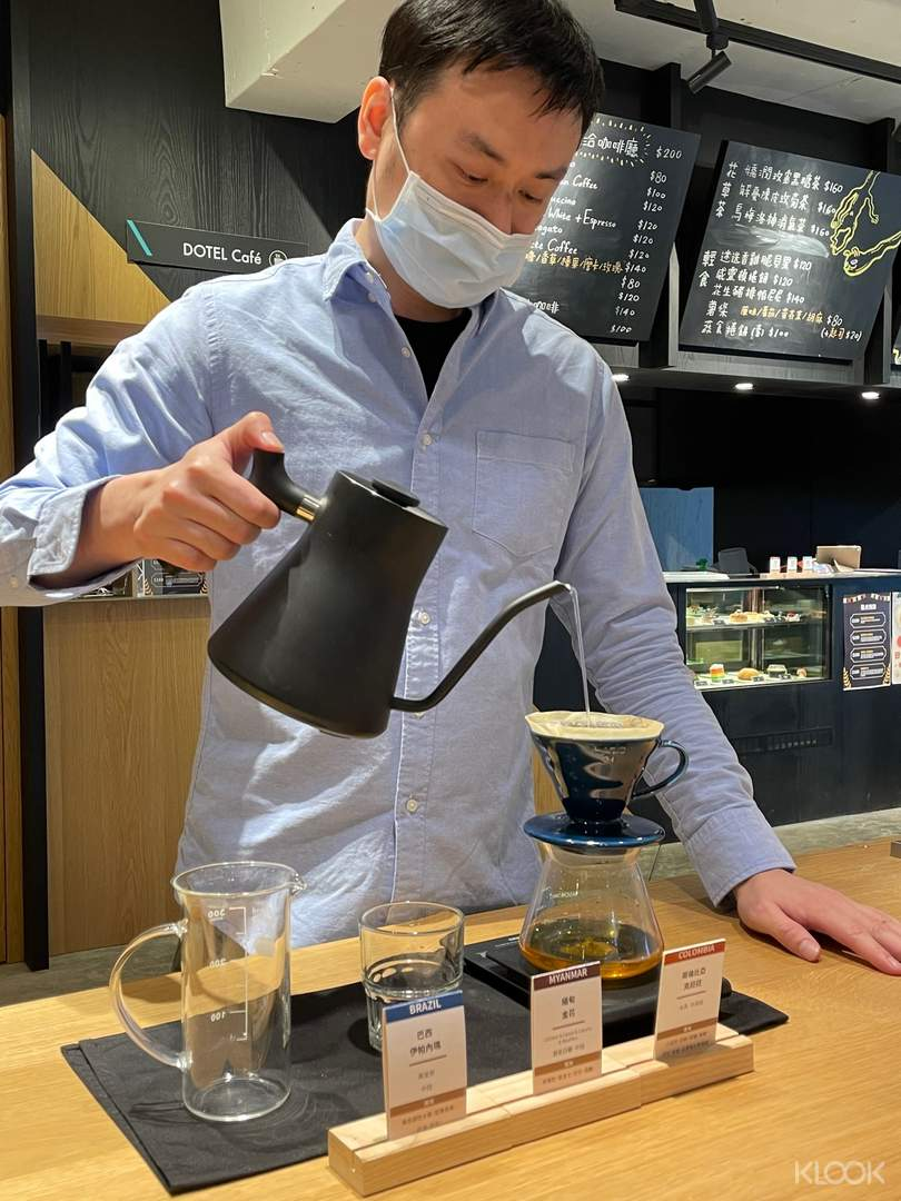 研磨、沖煮、品飲,由專業的咖啡師深入淺出講解